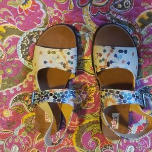 Goby sandals